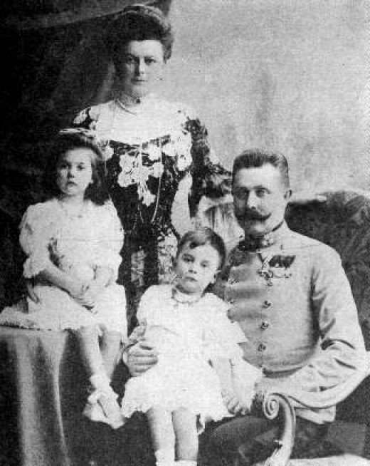 Archduke Franz Ferdinand, his wife Sophie Chotkova and two of their children, public domain picture