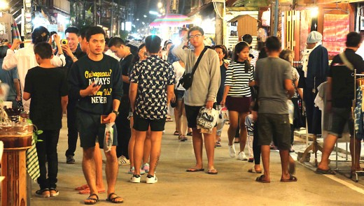 The Chiang Khan Walking Street comes alive at night
