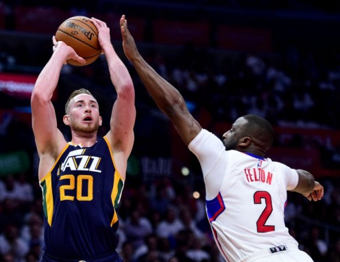 Gordon Hayward shooting over Clippers defender.
