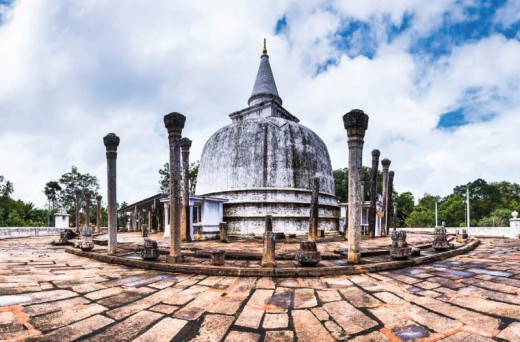Lankarama is a stupa built by King Valagamba, in an ancient place in Galhebakada