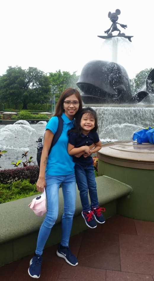 mother and daughter at Disney!