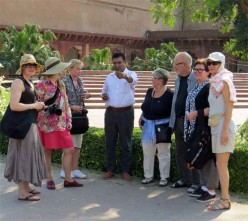 How to become a Tourist guide in India? Are you looking for a career in Tourism?