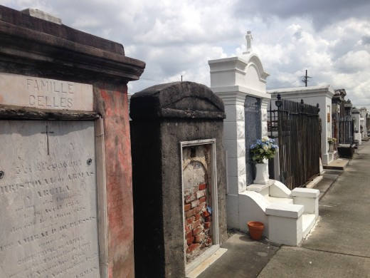 More chilling pictures of St. Louis #2 Cemetery