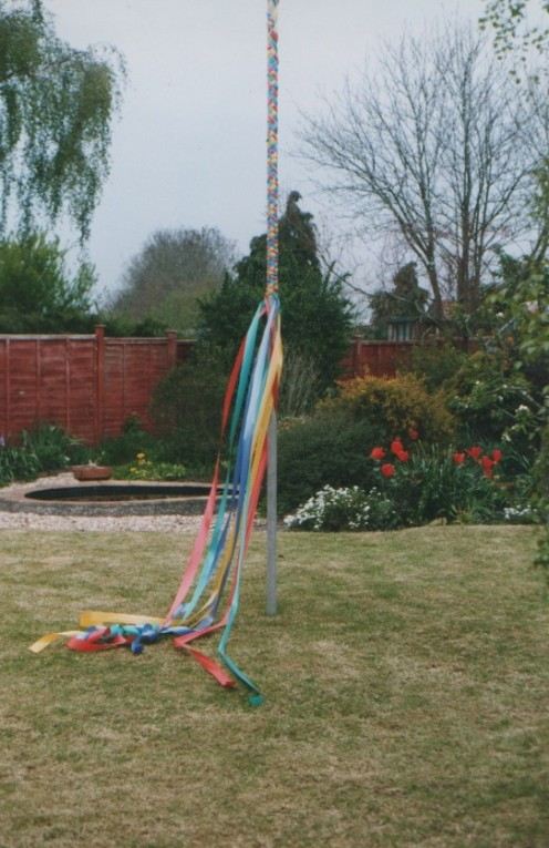 Successful plaiting round the May Pole