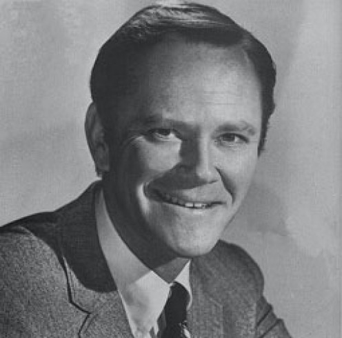 "Dick Sargent takes over for  ""Darrin"" on Bewitched."