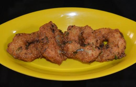 Step four: Semolina vada or rava vada(sooji vada)