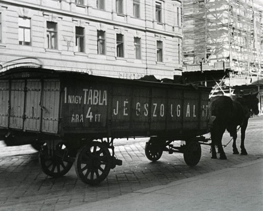 Typical ice wagon on the streets of Budapest around the 1950s selling an ice block for 4 Forints (about 34 cents at current exchange rate)