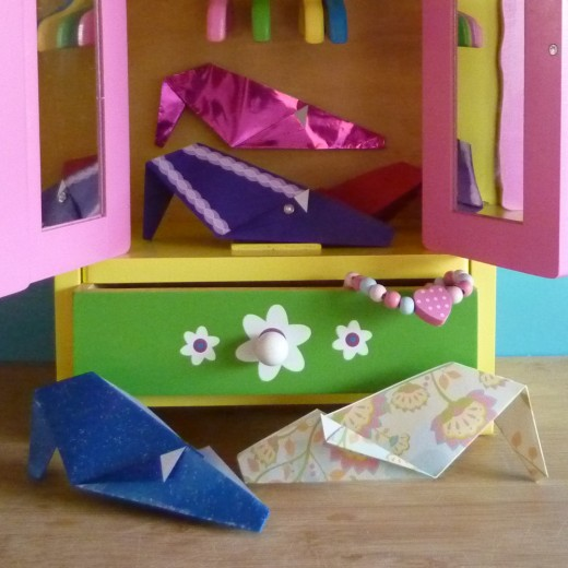 Origami shoe crafts great paper folding fun for fashion loving crafters.