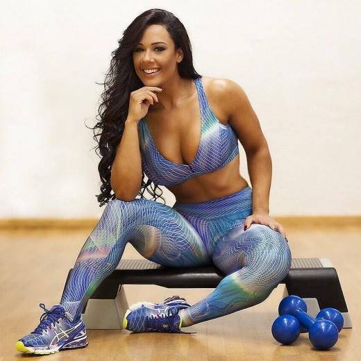 WBFF Pro Diva Fitness Model Sue Lasmar