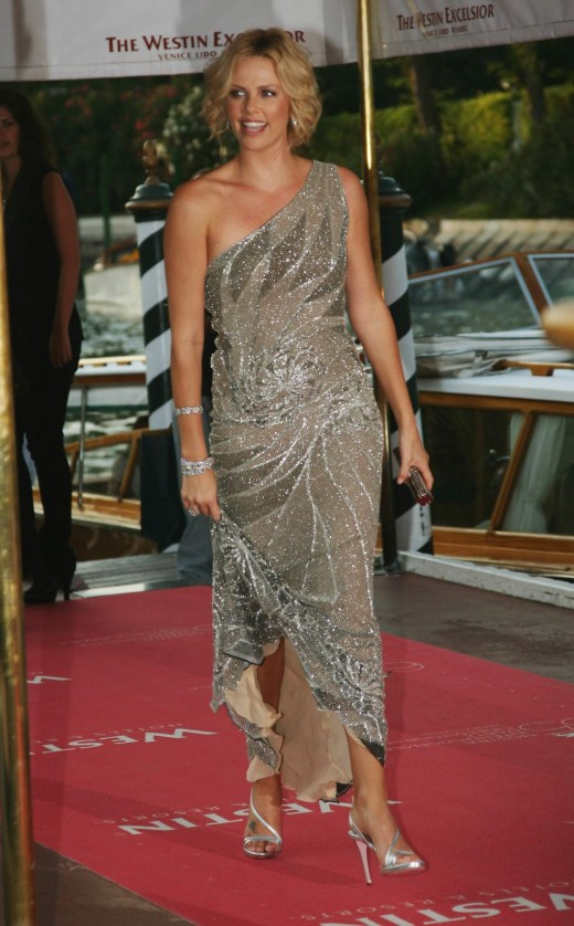 Charlize Theron is always lovely in an evening dress. She rarely disapoints.