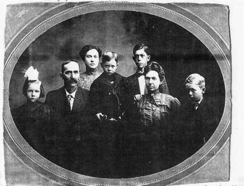 From left: Maria Lucy, Andrew E., Blanche Jane, William, John Etheridge, Mary Etta, Ross Kenneth