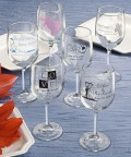 You can even obtain fully customized personalized plastic wine glasses