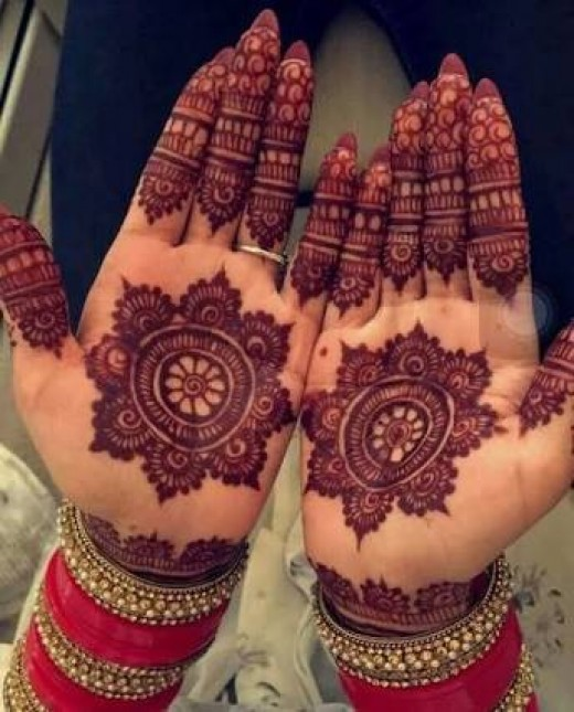 The Mehandi design looks something like this after it is taken off after 3 to 4 hours