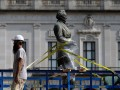 Should Confederate statues be removed?