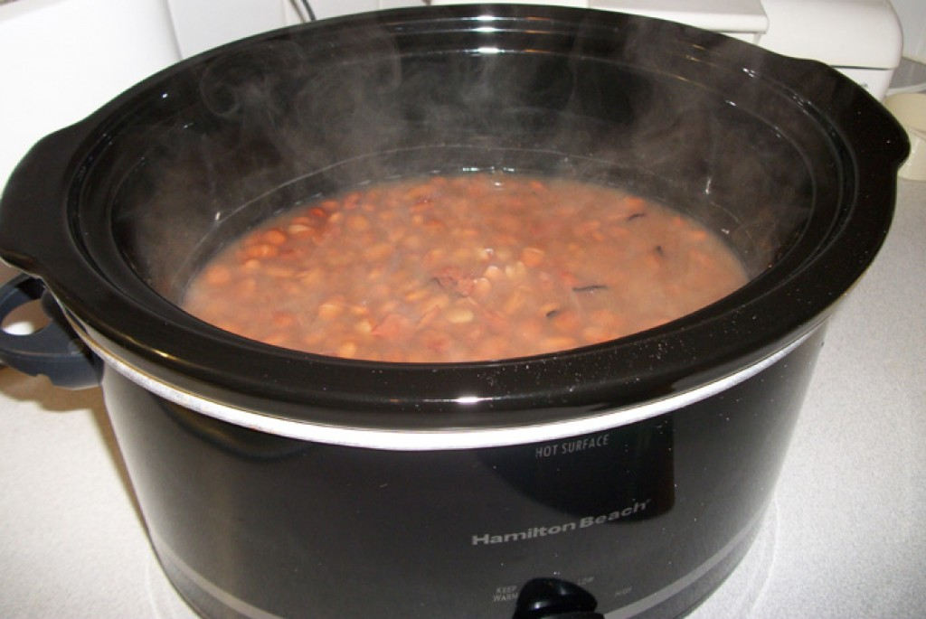 how to cook pinto beans in a crock pot delishably. Black Bedroom Furniture Sets. Home Design Ideas