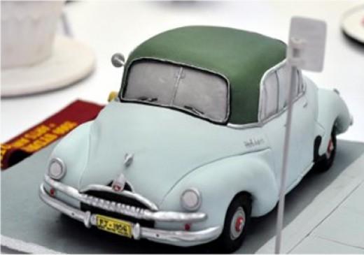 Holden Miniature Cake