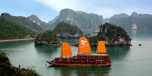 Cruising Along Ha Long Bay