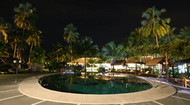 Pool aquarius, one of the many amenities in Waterfront Insular Hotel (courtesy of http://www.waterfronthotels.net/davao/other-amenities-services/other-amenities-and-services.html)