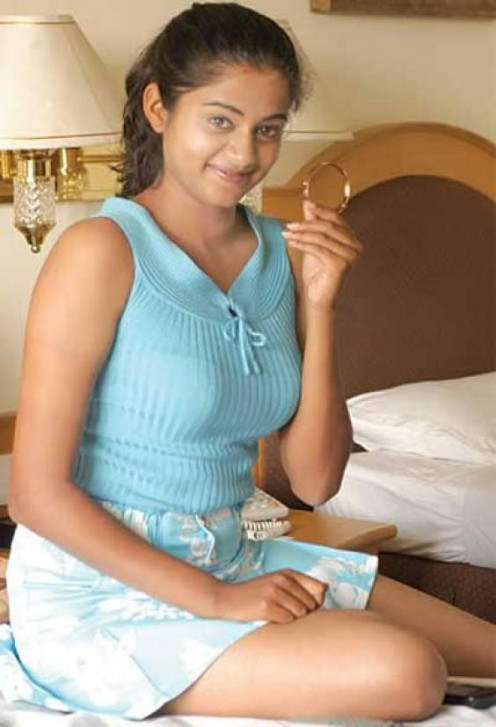 South Indian Model Actress Hottie Priyamani Sexy Videos and Photos Image 5