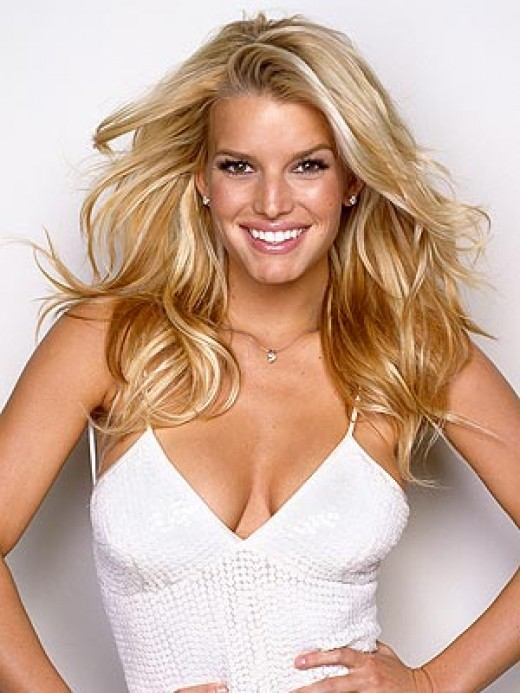 Jessica Simpson has a range of clip on hairpieces for sale