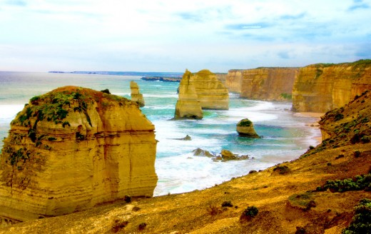12 Apostles Land Formations