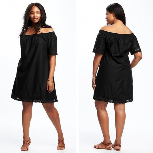 100% cotton off the shoulder shift dress accentuates the Apple's best assets: shoulders and legs