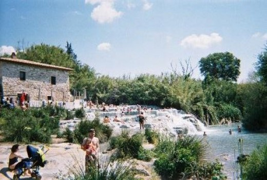 Saturnia.  Photo by Wendy Iturrizaga