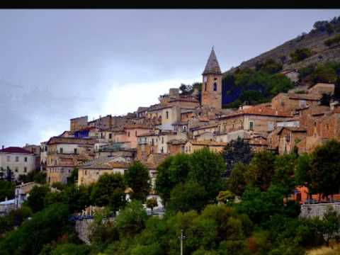 Calascio the lower village
