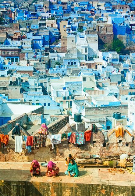 A view  of the colorful city of Jaipur
