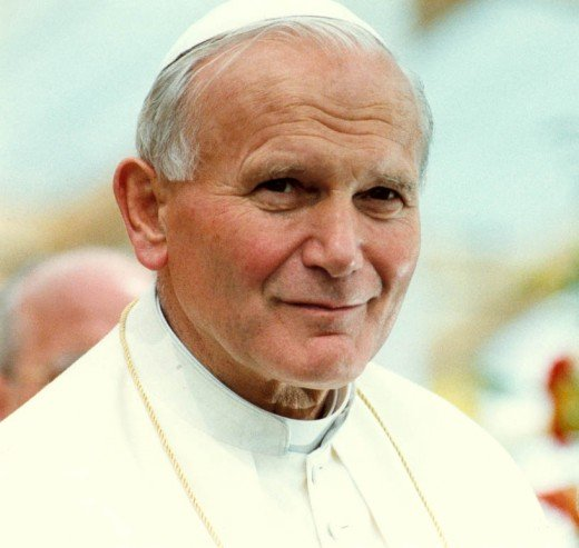 This is the actual photo of Pope John Paul II of which he is the one who elevated Cebu Archbishop Cardinal Vidal at the Vatican in 1985