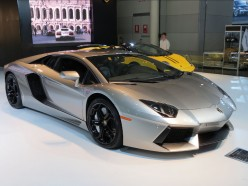 Lamborghini Aventador Roadster: Reviews And Specifications