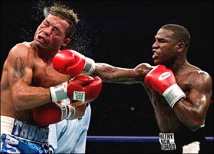 Arturo Gatti against Floyd Mayweather Junior
