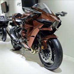 Kawasaki Ninja H2 Specifications, Details And Reviews