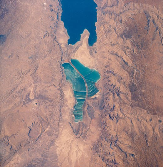 A satellite picture of the Dead Sea, taken in 1989 by NASA (in the public domain)