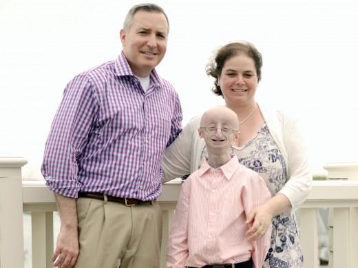 Scott Berns, Leslie Gordon, and their son, Sam