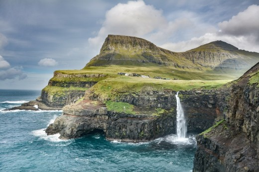 Volcanic activity created the rugged Faroese coastline.