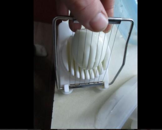 slice with egg slicer