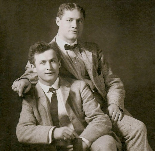 Brothers Theodore Hardeen (top) and Harry Houdini.