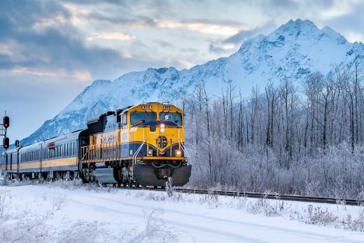 Alaska Traveling Aurora