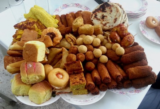 An assortment of Hedhikaa (Maldivian short eats)
