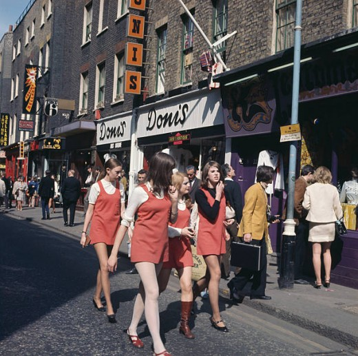 Girl shoppers in Carnaby Street - no sign of ciggies here!