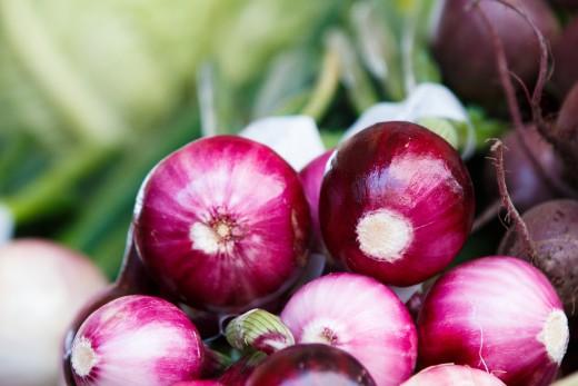 Fresh peeled Onions