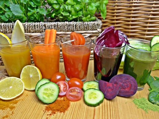 Detoxify with vegetable juices of lemon, carrots, cucumbers, beets, and tomatoes. Enjoy fruit smoothies of kiwi fruit, kumquats, grapefruit, strawberries, peaches and other favorites. Tea with a touch of fruit juice is refreshing.