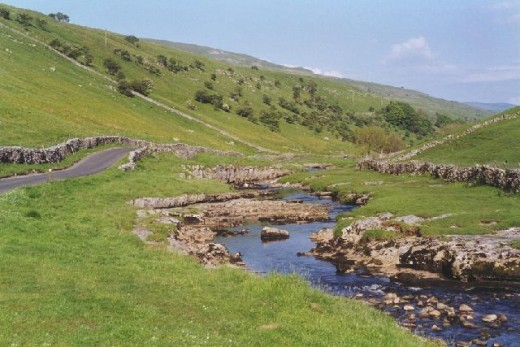 A calming sight in quiet Langstrothdale, a backwater only used by walkers, picknickers, hikers and bikers - very little traffic otherwise