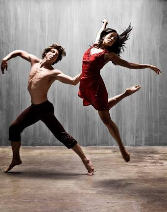 Expressive dance movements