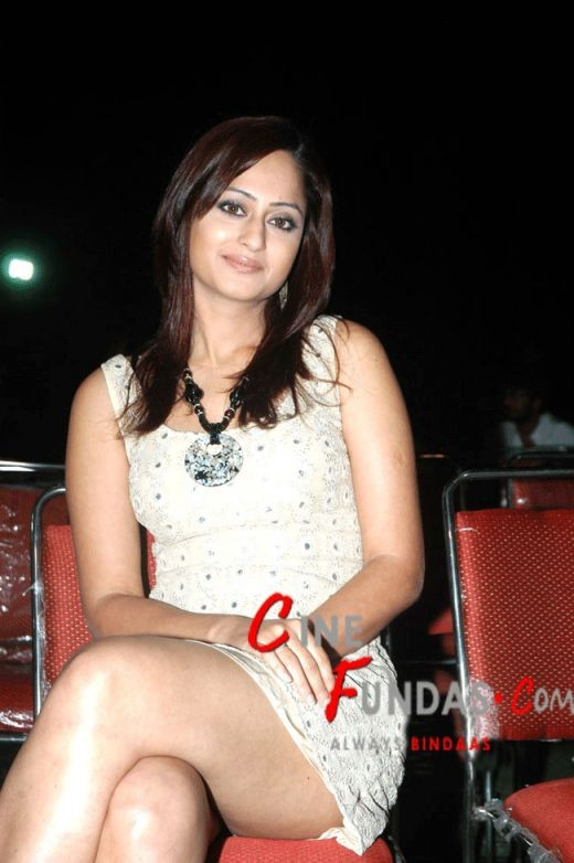 The hot thighs of Kaveri Jha are there to see...you wish she showed more