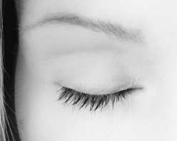 Castor Oil Made My Eyelashes Grow Fast! I've Really Didn't Expect Such Fast Results!