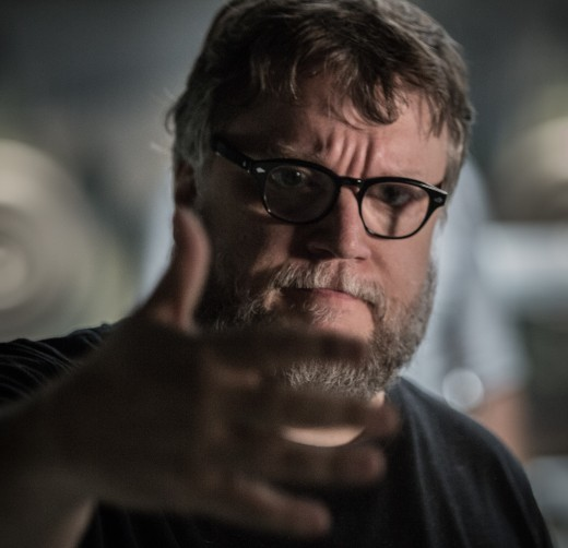 Whats's got 5 fingers and can make a a movie like this work? This guy. #Guillermo del Toro