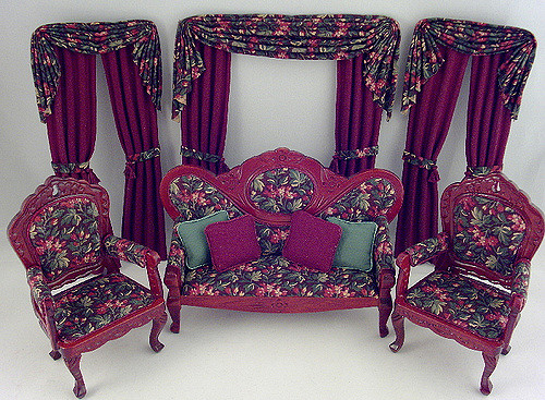 Classic miniature parlour furniture
