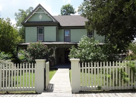 The Bain-Honaker House in Farmersville TX